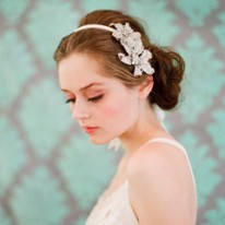 tocado diadema rhinestone double flower headband de twingsandhoney